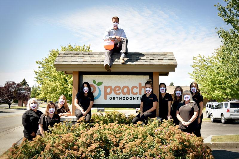 peach-team-sign